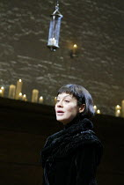 'TWELFTH NIGHT' (Shakespeare -  director: Sam Mendes)~Helen McCrory (Olivia)~Donmar Warehouse, London WC2           22/10/2002