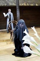 'TWELFTH NIGHT' (Shakespeare -  director: Sam Mendes)~l-r: Emily Watson (Viola), Helen McCrory (Olivia)~Donmar Warehouse, London WC2           22/10/2002