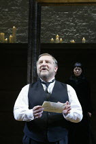 'TWELFTH NIGHT' (Shakespeare -  director: Sam Mendes)~Malvolio reads Olivia's letter: Simon Russell Beale (Malvolio), Helen McCrory (Olivia)~Donmar Warehouse, London WC2           22/10/2002