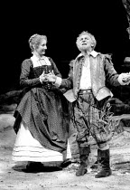 'TWELFTH NIGHT' (Shakespeare),Gemma Jones (Maria), John Thaw (Sir Toby Belch),RSC / RST  04/83,