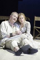 'KING LEAR' (Shakespeare - director: Bill Alexander)~Corin Redgrave (King Lear), Sian Brooke (Cordelia)~Royal Shakespeare Company /  Royal Shakespeare Theatre, Stratford-upon-Avon, England   30/06/200...