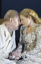 'KING LEAR' (Shakespeare - director: Bill Alexander),Corin Redgrave (King Lear), S�an Brooke (Cordelia),Royal Shakespeare Company /  Albery Theatre, London WC2          18/01/2005                 ,