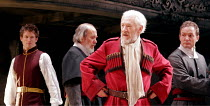KING LEAR   by Shakespeare   director: Trevor Nunn <br>,3rd from left: Ian McKellen (King Lear),Royal Shakespeare Company (RSC),Courtyard Theatre, Stratford-upon-Avon, England                       03...