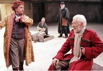 KING LEAR   by Shakespeare   director: Trevor Nunn <br>,II/iv - front, l-r: Sylvester McCoy (Lear^s Fool), Ian McKellen (King Lear),Royal Shakespeare Company (RSC),Courtyard Theatre, Stratford-upon-Av...