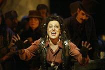 'IL TROVATORE' (Verdi - conductor: Edward Downes   director: Elijah Moshinsky)~Irina Mishura (Azucena)~The Royal Opera / Covent Garden   London WC2         03/05/2004