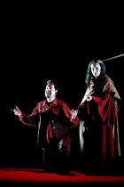 'IL TROVATORE' (Verdi)~Julian Gavin (Manrico), Sally Burgess (Azucena)~English National Opera, London   09/04/2001