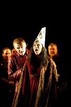 'IL TROVATORE' (Verdi)~Clive Bayley (Ferrando), Sally Burgess (Azucena)~English National Opera, London   09/04/2001