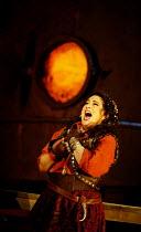 'IL TROVATORE' (Verdi)~Veronica Villarroel (Leonora)~The Royal Opera/Covent Garden, London WC2    22/04/2002