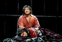 'IL TROVATORE' (Verdi)~Jose Cura (Manrico), Yvonne Naef (Azucena)~The Royal Opera/Covent Garden, London WC2    22/04/2002