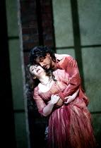 'IL TROVATORE' (Verdi)~Veronica Villarroel (Leonora), Jose Cura (Manrico) ~The Royal Opera/Covent Garden, London WC2    22/04/2002