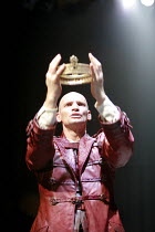 MACBETH by Shakespeare  director: Conall Morrison  ~Patrick O'Kane (Macbeth)~Royal Shakespeare Company (RSC), Swan Theatre, Stratford-upon-Avon, England  17/04/2007