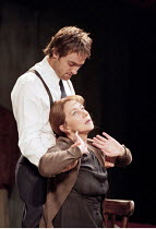 ORPHEUS DESCENDING   by Tennessee Williams   director: Nicholas Hytner <br>,Stuart Townsend (Val Xavier), Helen Mirren (Lady Torrance),Donmar Warehouse / London WC2           27/06/2000,