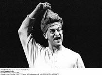 MACBETH  by Shakespeare  design: Bob Crowley  lighting: Mark Henderson  director: Adrian Noble ~David Troughton (Porter) ~Royal Shakespeare Company (RSC)  1986