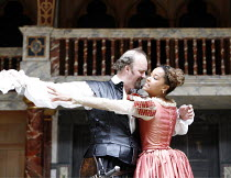 OTHELLO   by Shakespeare   director: Wilson Milam <br>,III/iii: Tim McInnerny (Iago), Lorraine Burroughs (Aemila),Shakespeare^s Globe, London SE1                    24/05/2007        ,