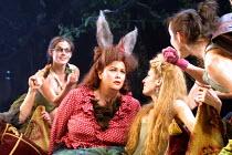 'A MIDSUMMER NIGHT'S DREAM' (Shakespeare)~centre: Dawn French (Bottom), Jemma Redgrave (Titania)~Albery Theatre, London WC2  22/03/2001