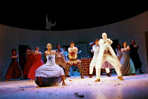 'A MIDSUMMER NIGHT'S DREAM' (Shakespeare) closing sequence - front: Josette Simon (Titania), Nicholas Jones (Oberon) RSC/RST Stratford  25/03/1999  (c) Donald Cooper/Photostage   photos@photostage....