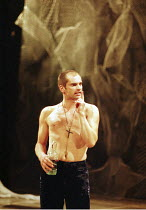 MACBETH by Shakespeare  set design: Mario Borza  lighting: Tanya Burns  costumes: Ken McDonald  director: Jude Kelly ~Patrick O'Kane (Macbeth) ~West Yorkshire Playhouse, Leeds, England  18/10/1999 ~(c...