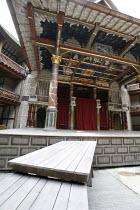 Shakespeare^s Globe - interior             05/2006,staging for Coriolanus,