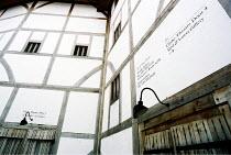 exterior~~Shakespeare's Globe, London SE1  05/2001