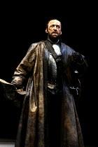 MACBETH  by Shakespeare  set design: Chris Dyer  costumes: Poppy Mitchell  lighting: Howard Eaton  director: Howard Davies ~Bob Peck (Macbeth)~Royal Shakespeare Company (RSC), Barbican Theatre, London...