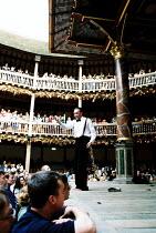 'MACBETH' (Shakespeare)~Jasper Britton (Macbeth)~Shakespeare's Globe, London SE1  05/2001