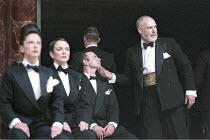 'MACBETH' (Shakespeare - director: Tim Carroll)~right: Terry McGinity (King Duncan) ~Shakespeare's Globe, London SE1             05/2001