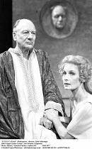 'JULIUS CAESAR' (Shakespeare - director: John Schlesinger,John Gielgud (Julius Caesar), Ann Firbank (Calpurnia),Olivier Theatre / National Theatre, London SE1             22/03/1977,