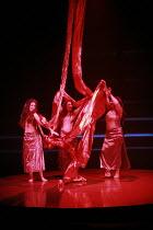 DAS RHEINGOLD   by Wagner   conductor: Anthony Negus   design: Kjell Torriset   director: Alan Privett <br>,the Rheinmaidens with the gold - l-r: ,Evelyn Krahe (Flosshilde), Claire Turner (Wellgunde),...