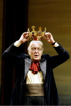 'THE HOLLOW CROWN' (devised/directed by John Barton) Donald Sinden Royal Shakespeare Theatre, Royal Shakespeare Company (RSC)   Stratford-upon-Avon   16/07/2002
