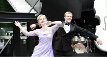 LADY BE GOOD   music: George Gershwin   lyrics: Ira Gershwin   book: Guy Bolton & Fred Thompson   director: Ian Talbot <br>,Kate Nelson (Susie Trevor), Chris Ellis-Stanton (Dick Trevor)   ,Open Air Th...