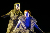 'TRISTAN UND ISOLDE' (Wagner - director: Nikolaus Lehnhoff)~l-r: Yvonne Wiedstruck (Brang�ne), Nina Stemme (Isolde)~Glendebourne Festival Opera                  19/05/2003