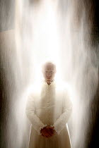 RICHARD II   by Shakespeare   director: Michael Boyd <br>,V/i: Jonathan Slinger (King Richard II) with falling sand,Royal Shakespeare Company / Courtyard Theatre, Stratford-upon-Avon, England     16/0...
