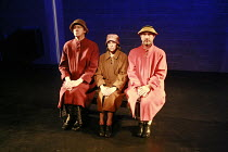 Fragments - COME AND GO   by Samuel Beckett   director: Peter Brook    l-r: Jos Houben (Flo), Kathryn Hunter (Vi), Marcello Magni (Ru) Theatre des Bouffes du Nord / Paris & The Young Vic / London co...