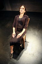 Fragments - ROCKABY   by Samuel Beckett   director: Peter Brook    Kathryn Hunter (Woman) Theatre des Bouffes du Nord / Paris & The Young Vic / London co-production      The Young Vic (YV) / London...