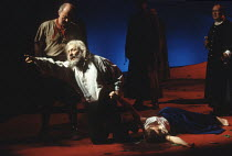KING LEAR   by Shakespeare   director: Adrian Noble <br>,Lear dies: Robert Stephens (King Lear), Abigail McKern (Cordelia),Royal Shakespeare Company / Royal Shakespeare Theatre, Stratford-upon-Avon...