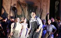 L^ELISIR D^AMORE   music: Gaetano Donizetti   libretto: Felice Romani   conductor: Enrique Mazzola   design: Lez Brotherston   director: Annabel Arden <br>,Peter Auty (Nemorino),Glyndebourne on Tour...