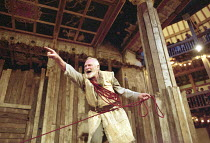KING LEAR   by Shakespeare   director/Master of Play: Barry Kyle <br>,Julian Glover (Lear) ,Shakespeare's Globe, London SE1              22/05/2001   ,