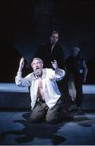 KING LEAR   by Shakespeare   director: Nicholas Hytner ,l-r: John Wood (Lear), David Troughton (Kent), Linda Kerr Scott (Lear^s Fool),Royal Shakespeare Company (RSC) / Royal Shakespeare Theatre     St...