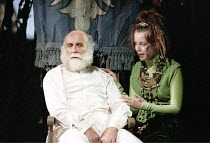 KING LEAR   by Shakespeare   design: Paul Andrews   director: Jude Kelly <br>,Warren Mitchell (King Lear), Maria Miles (Cordelia),West Yorkshire Playhouse (WYP) / Leeds, England       28/09/1995,