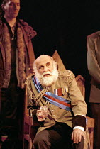 KING LEAR   by Shakespeare   design: Paul Andrews   director: Jude Kelly <br>,Warren Mitchell (King Lear),West Yorkshire Playhouse (WYP) / Leeds, England       28/09/1995,