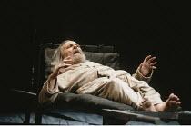 KING LEAR   by Shakespeare   design: Richard Hudson   director: Jonathan Miller <br>,Eric Porter (Lear),The Old Vic, London SE1        28/03/1989,