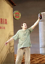 L^ELISIR D^AMORE   by Donizetti   conductor: Mikko Franck   director: Laurent Pelly <br>,Stefano Secco (Nemorino) with the ^magic potion^,The Royal Opera (RO) / Covent Garden   London WC2    13/11/200...