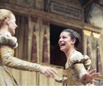 AS YOU LIKE IT   by Shakespeare   design: Bunny Christie   director: Lucy Bailey <br> ~l-r: Anastasia Hille (Rosalind), Tonia Chauvet (Celia) ~Shakespeare's Globe (SG), London SE1  20/05/1998      ~(c...
