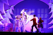 THE SNOWMAN   based on the story by Raymond Briggs   music & lyrics: Howard Blake   design: Ruari Murchison   director: Bill Alexander <br>,,Birmingham Repertory Theatre production / Sadler's Wells /...
