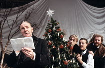 TWELFTH NIGHT   by Shakespeare   design: Bunny Christie   director: Kenneth Branagh ,l-r: Richard Briers (Malvolio), James Simmons (Sir Andrew Aguecheek), Shaun Prendergast (Fabian), James Saxon (Sir...