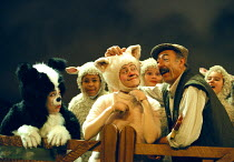 'BABE, THE SHEEP-PIG'~front, l-r: Mary-Ann Coburn (Fly), Karen Briffett (Babe), Anthony Pedley (Farmer Hogget)~Birmingham Hippodrome  26/11/1997