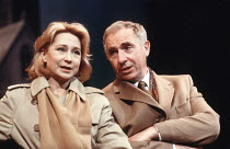 HAPGOOD   by Tom Stoppard   design: Carl Toms   lighting: David Hersey   director: Peter Wood ,Felicity Kendal (Hapgood), Nigel Hawthorne (Blair)   ,Aldwych Theatre, London WC2   08/03/1988   ~(c) Don...