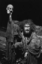 THE REVENGER^S TRAGEDY   by Cyril Tourneur / Thomas Middleton   design: Michael Levine   director: Di Trevis <br>,Antony Sher (Vindice),Royal Shakespeare Company (RSC) / Pit Theatre, Barbican Centre,...