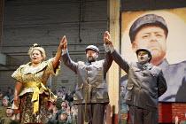 KING IDOMENEO   by Mozart   conductor: William Lacey   design: Stuart Nunn   director: Graham Vick ~l-r: Donna Bateman (Electra), Paul Nilon (Idomeneo), Mark Wilde (Idamante)~Birmingham Opera Company...