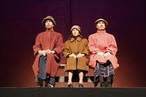 'Fragments' - COME AND GO   by Samuel Beckett   director: Peter Brook ~ l-r: Khalifa Natour (Flo), Kathryn Hunter (Vi), Marcello Magni (Ru)~Theatre des Bouffes du Nord / Paris & The Young Vic / London...